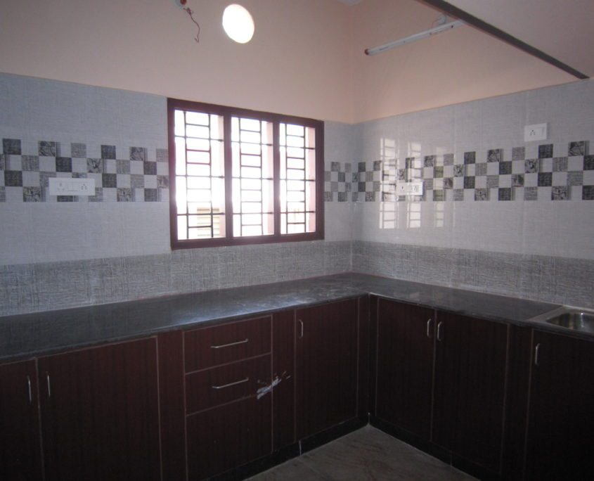 2 BHK Builder Floor Apartment for rent in S Kolathur Chennai Pallikaranai near Kamakshi Hospital