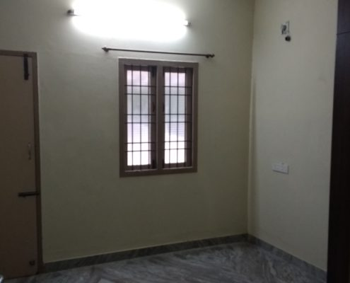 3 BHK GF 1400 SF / 1600 SF / 1 BHK 700 SF For Rent in Ind House Velachery opp Chennai Silks